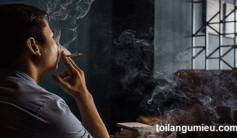 Nhắc đến mấy ông chồng hút thuốc trộm là chị em đã không ưa rồi. Nhưng các bạn có biết, có 5 điều trân quý trong hành động này không?